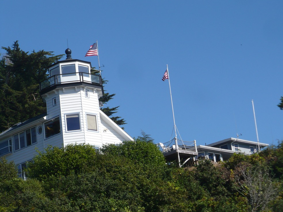Photo of lighthouse at the Port ( this lighthouse is not open to the public)